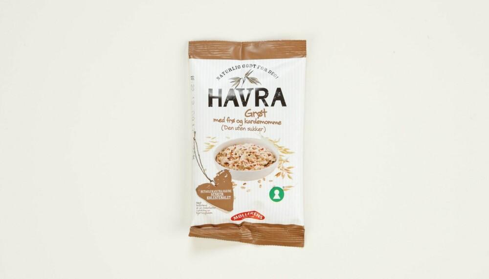 Møllerens Havra grøt med frø og kardemomme  Produsent: Norgesmøllene AS  Pris: Kr 8  Mengde tørrvare: 65 g  Næringsinnhold pr. porsjon:   Energi: 250 kcal  Fett/hvorav mettet: 6,3/1 g   Karbohydrater: 36,4 g  Hvorav sukkerarter: 0,6 g  Protein: 8,7 g  Kostfiber: 6 g  Salt: 0,4 g  Tilsatt sukker: Nei  Andel havre: 91 %  Testens vinner har det laveste sukkerinnholdet, ikke noe tilsatt sukker. Bra mengde protein og fiber. Tilsatt linfrø og solsikkekjerner bidrar til mer energi. Lite salt.  Terningkast: 6 *** Local Caption *** Møllerens Havra grøt med frø og kardemomme  Produsent: Norgesmøllene AS  Pris: Kr 8  Mengde tørrvare: 65 g  Næringsinnhold pr. porsjon:   Energi: 250 kcal  Fett/hvorav mettet: 6,3/1 g   Karbohydrater: 36,4 g  Hvorav sukkerarter: 0,6 g  Protein: 8,7 g  Kostfiber: 6 g  Salt: 0,4 g  Tilsatt sukker: Nei  Andel havre: 91 %  Testens vinner har det laveste sukkerinnholdet, ikke noe tilsatt sukker. Bra mengde protein og fiber. Tilsatt linfrø og solsikkekjerner bidrar til mer energi. Lite salt.  Terningkast: 6 --------------------------- Oslo/studio 20170306;  Shape-Up  Hjemmet  Klikk.no  Tester  Havre  Havreblandinger    Oslo/studio 06032017;  Shape-Up  Hjemmet  Klikk.no  Tester  Havre  Havreblandinger