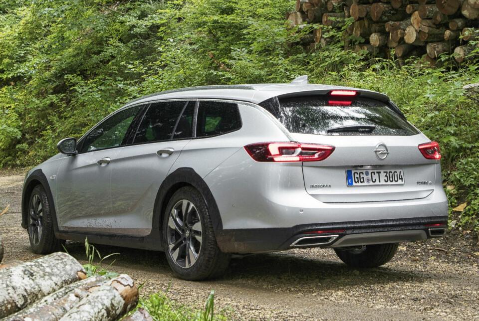LUKSUSFØLELSE: Opel Insignia Country Tourer er en stor og flott bil som gir luksusfølelsen.