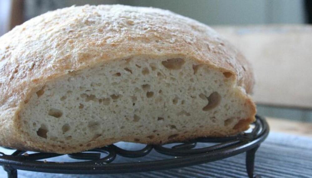 DEILIG: Hva med et brød laget på havremel? Foto: Kathrine Kragøe Skjelvan/Glutenogmelkefri.com