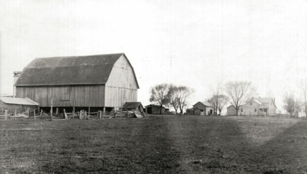 GÅRDEN: Som så mange andre nordmenn, ble Mathias og Randi bønder i Midtvesten. Her ser vi gården deres i Wisconsin. FOTO: Privat.
