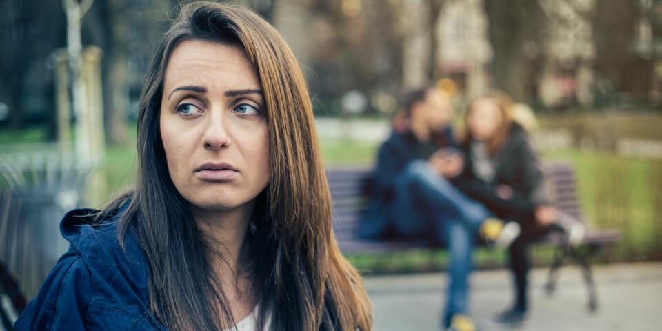 SOSIAL ANGST: Psykiatrisk lidelse som omfatter en intens frykt for visse sosiale situasjoner. Situasjoner blir enten unngått eller utholdt med betydelig stress. Foto: Getty Images