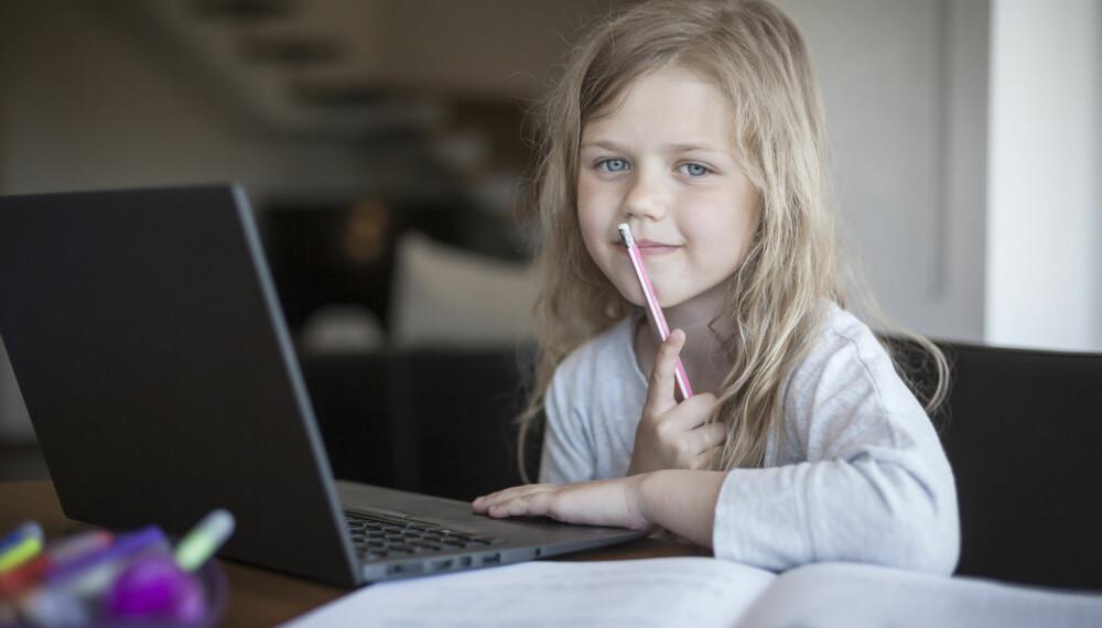 9-ÅRINGEN: Mange 9-åringer begynner å argumentere mot foreldrene sine, om alt fra husregler til anskaffelse eller bruk av mobiltelefon. Foto: Gettyimages.com.