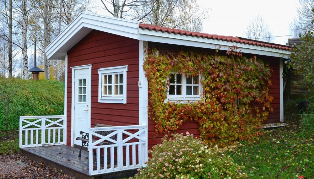 BYGGE UTEBOD: Går du med planer om å bygge deg en utebod eller uthus? Du kan bygge opptil 50 kvm uten å måtte søke kommunen, men du må uansett kontakte kommunen for å sjekke om det er andre forhold som gjør at du ikke får bygge. (FOTO: Colourbox.com)