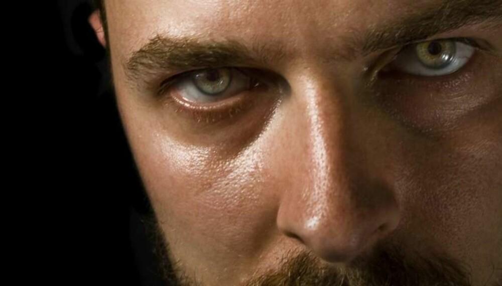 PSYKOPAT: Du kan aldri forandre et annet menneske, aller minst en psykopatisk person. Endringen må skje hos deg selv, råder eksperter. Foto: thinkstockphotos.com