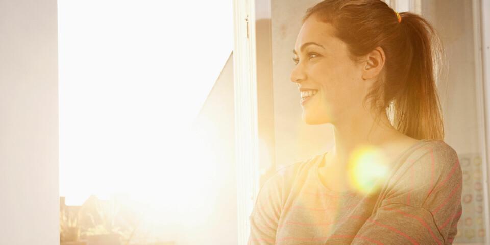 SELVMEDFØLELSE: Ekspertene sier et rungende ja på at vi kan trene oss selv opp til å bli mer optimistiske og positive. Foto: Getty Images.