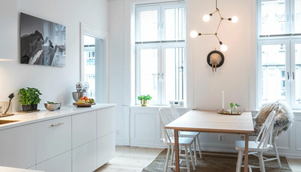 FLYTTE KJØKKEN: Anne og Ebbe ville flytte kjøkkenet til det gamle gjesterommet. Nå har de fått et romslig og moderne kjøkken.