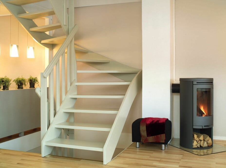 KNIRK I TRAPP: Knirking i den fine og nymalte trappen din, kan være ordentlig irriterende - og det er ganske så unødvendig. For du kan ta saken i egne hender.