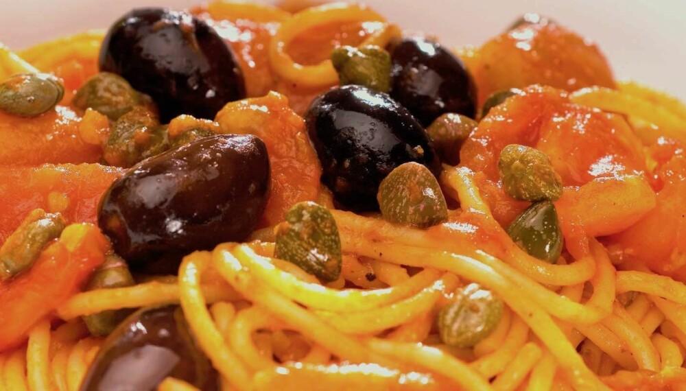 INTENS: Puttanesca-sausen er svært intens på smak.