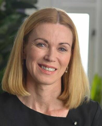 Hudpleier May-Britt Morad ved Oslo Hudpleieklinikk har stor tiltro til The Solution.