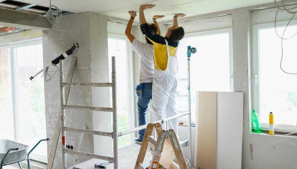 BYTTE HIMLING: Skal du legge nytt tak innvendig, må du passe på at det er lufttett for å forhindre fukt og kaldluft.