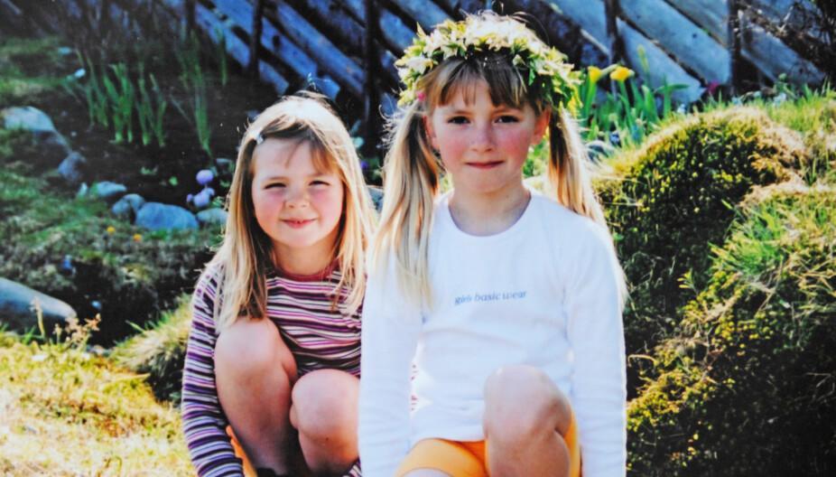 SOMMERPIKER: Bekymringsløse søstre nyter sommeren på Andabeløy. Kort tid etter at bildet er tatt, rammes Line av kreftsykdommen akutt lymfatisk leukemi.