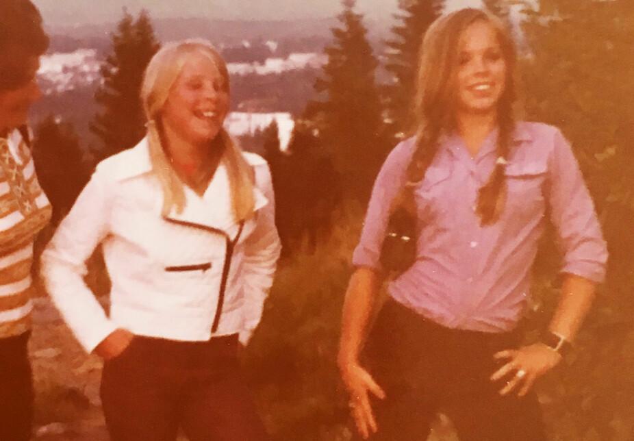 UNGE SØSTRE: Rita Lyngmo var lillesøsteren til Eirin Vibeke Lyngmo, De var også bestevenninner og tilbragte mye tid sammen. Tre år etter Eirin valgte Rita samme yrke. Hun ble også flyvertinne i Widerøe. Dette bildet er tatt mens de var ungdommer.