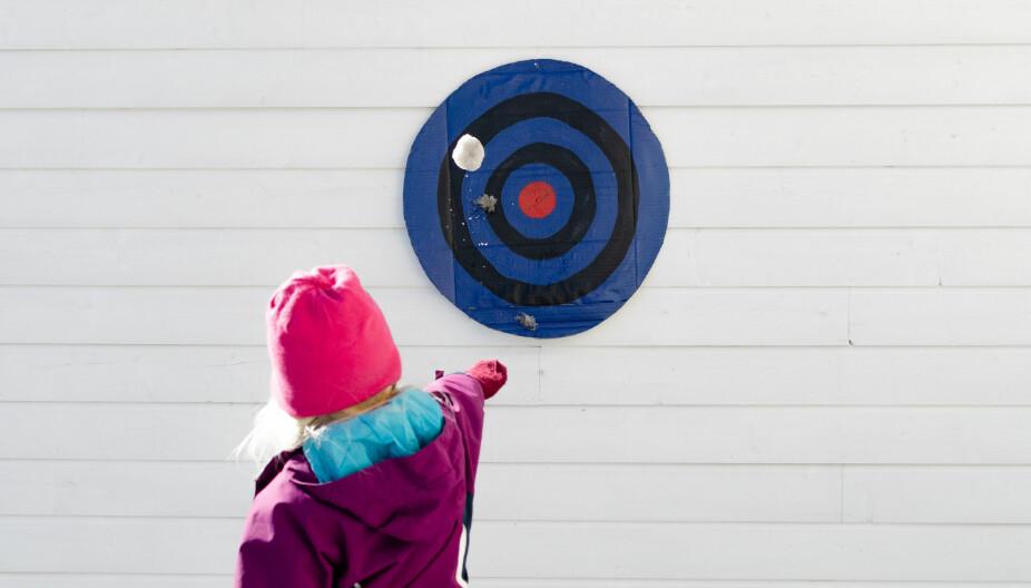 AKTIVITETER ETTER ÅRSTID: I artikkelen finner du aktiviteter du kan gjøre med barna - enten det er vår, sommer, høst eller vinter.