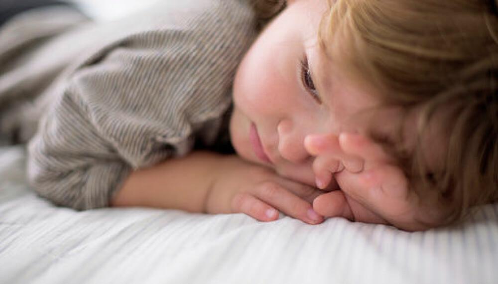 Faste rutiner gjør barnet godt forberedt på det som skal skje, og det blir kanskje lettere å finne roen.