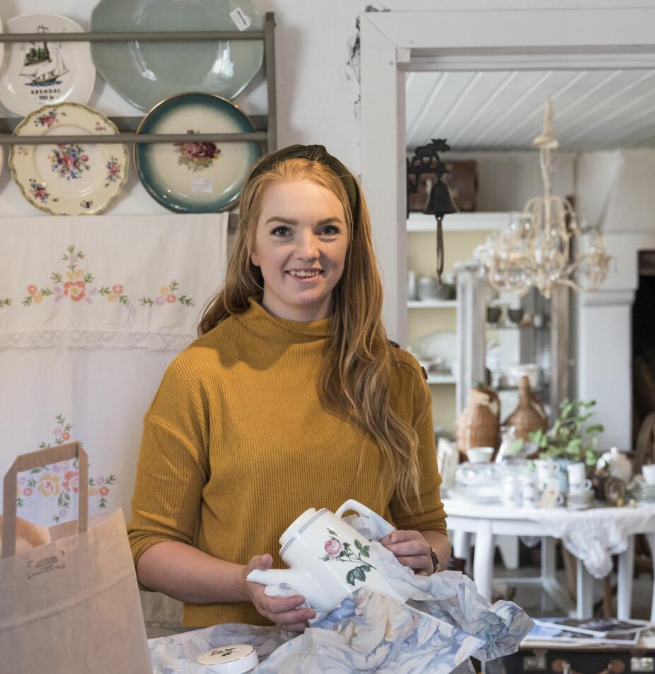 FESTLOKALE: Katrine drømmer om liv og røre på gården igjen. Hun har startet opp en liten gårdsbutikk, og drømmer om å sette i stand låven til festlokale. Familien har over 70 høner og selger også ferske gårdsegg.