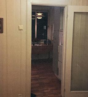 FØR:All adkomst til kjøkkenet var gjennom dører.
