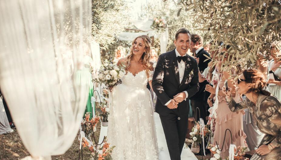 Malin og Ricard giftet seg på Amalfikysten i Italia.