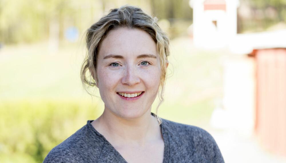 HOLDEPUNKT: Emma Johanessen har i løpet av sine 12 år som psyklolog sett at flyttingen frem og tilbake kan være krevende for barn. Samtidig tror hun ikke at det å bo under samme tak er en løsning som vil passe for alle.