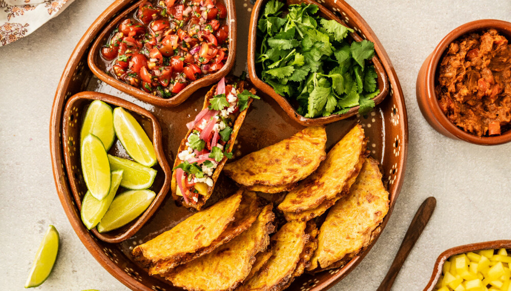 EN NY VÅR: Ikke la gulrøttene gå til spille. Den fargesterke rotgrønnsaken egner seg til mye mer enn bare middag. Hva med med å lage deilige, hjemmelagde tacoskjell av restene?