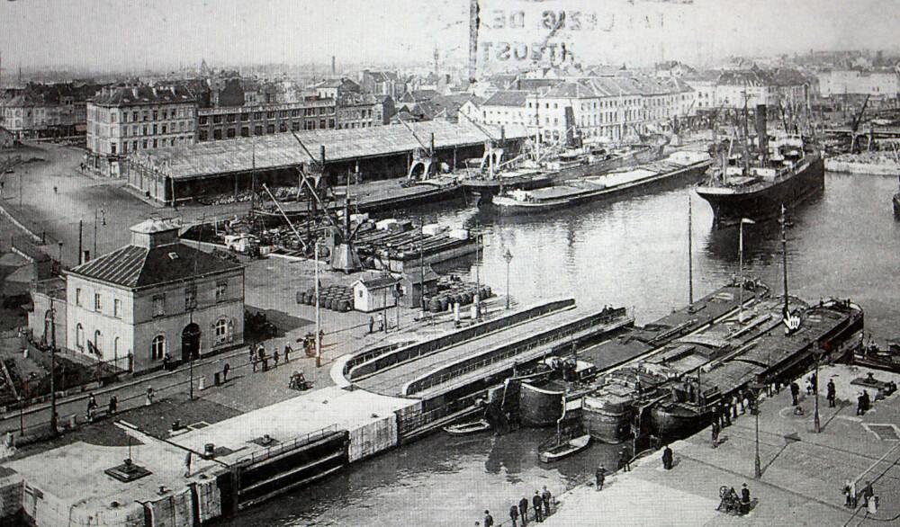 <strong>NEDGANGSTIDER:</strong> Antwerpen var en travel havn, men i 20-åra førte nedgangstider til at norske sjøfolk hadde store problemer med å få hyre, og ble gående og drive i gatene.