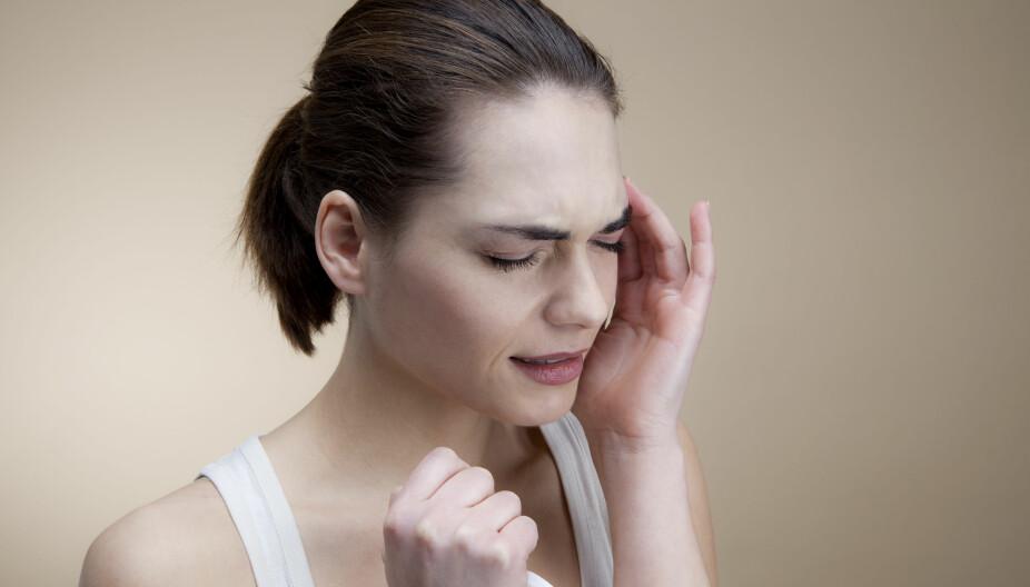 TIPS: Unngå ting som fremprovoserer migreneanfallet, som alkohol, stress, lite søvn, koffein, dårlig/uregelmessig matinntak.
