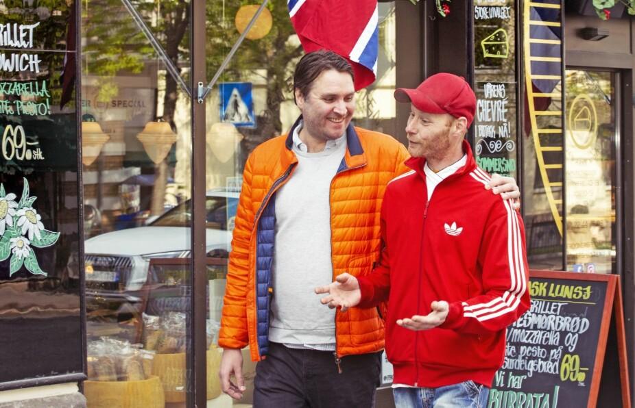 <b>KJÆRLIGHET:</b> Jan-Arne og samboeren Inge Uthushagen har vært kjærester i 10 år. – Da mamma endelig traff Inge, sluttet hun å være homofob, forteller Jan-Arne.