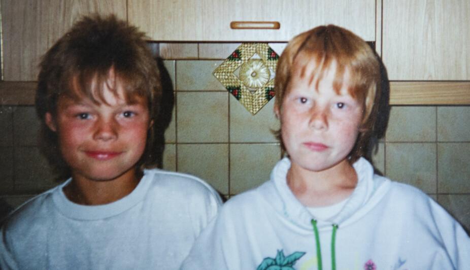 <b>TVILLINGER:</b> Ikke før brødrene var blitt 16 år, innså Jan-Arne at han var homofil. Broren Kjetil (t.v.) var den første han betrodde seg til.