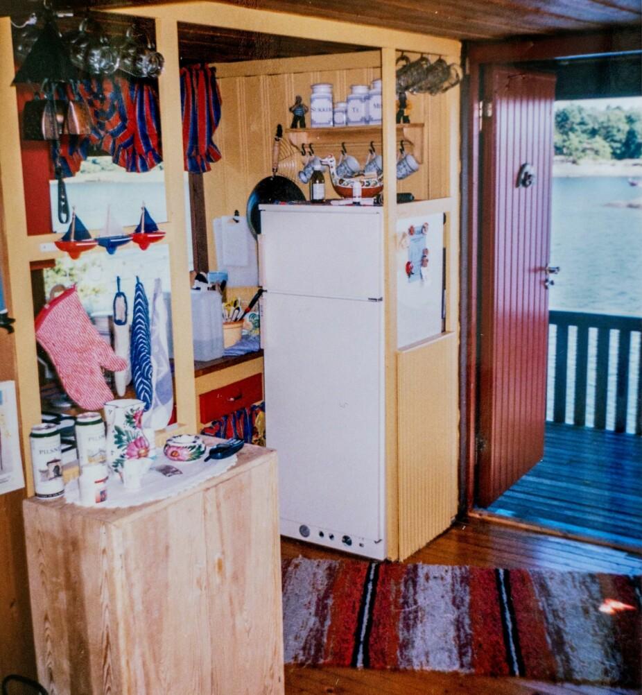 <b>MØRKT:</b> Kjøkkenet har gjennomgått en stor forandring, i likhet med resten av hytta.