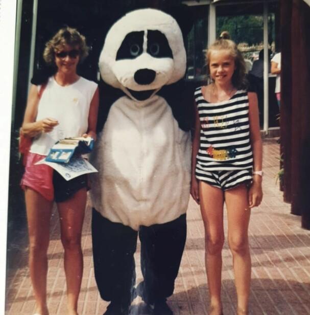 Jeg kunne faktisk smile litt i 1992 også. Favorittbamsen da jeg var liten var nemlig en panda.