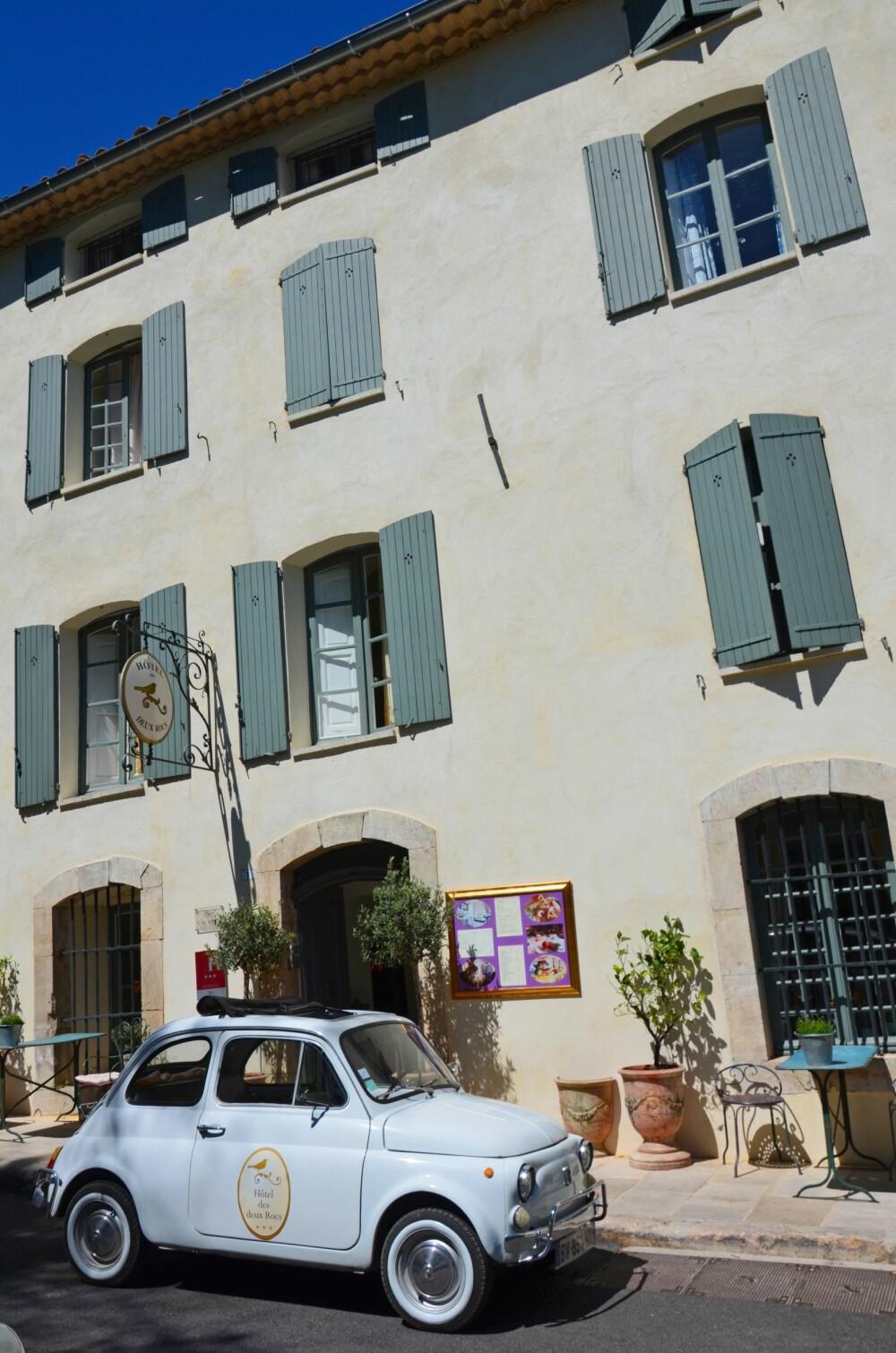 <b>HOTELL:</b> Sjarmerende Hotel des Deux Rocs ligger midt i middelalderlandsbyen Seillans.