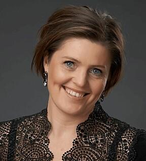 Dora Thorhallsdottir er mest kjent som komiker! Men er også relasjonsterapaut. Hun skriver fast for Kamille.