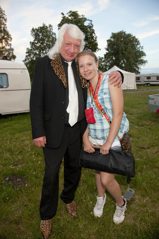 <b>ALLSANG:</b> I 2010 opptrådte Vazelina på «Allsang på grensen», da hadde Høggern selskap av datteren Frida.