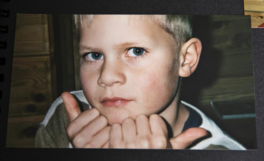 <b>Mammas gutt: </b>Tove Iren Langsveen mistet sin yngste sønn da han tok sitt eget liv. Nå har hun skrevet bok med tekster fra sønnen.