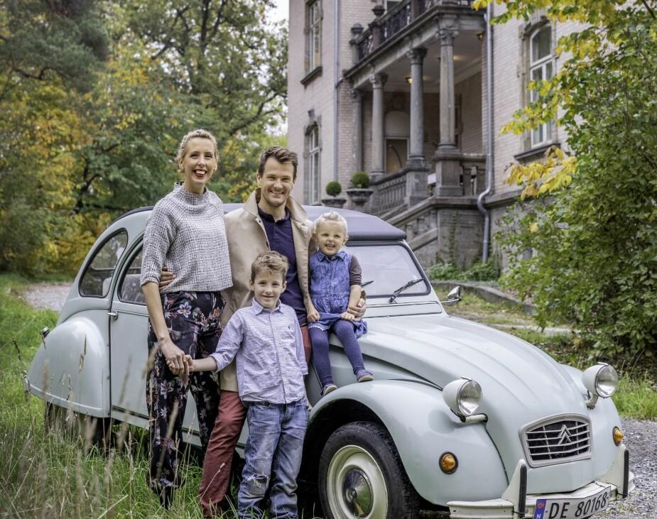 <b>LIVSPROSJEKT:</b> Mona (33) og Marius Erlandsen (40) bor på Villa Frednes sammen med barna Max (8) og Micki (4). Det særegne huset er familiens livsprosjekt, og ekteparets innstilling er at alt kan læres.
