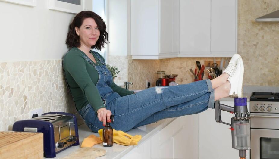 """HUSARBEID: """"Supermammaen"""" Gemma Bray mener at hun har oppskriften på hvordan du kan bruke kun 30 minutter på husarbeid hver dag."""