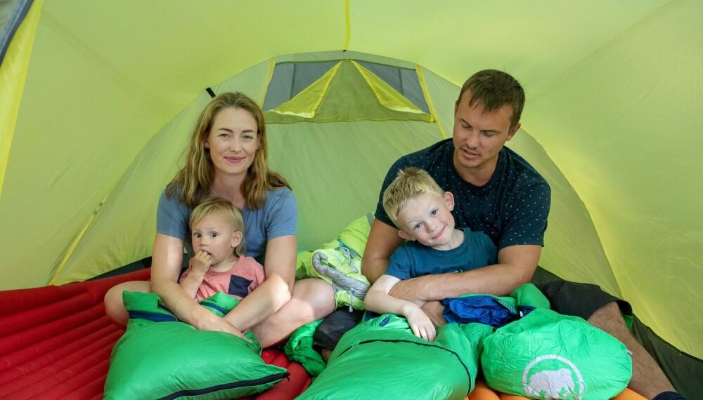 FAMILIELIM: Nina Volstad mener at friluftslivprosjektet nesten har vært som gratis parterapi for henne og mannen Oliver.