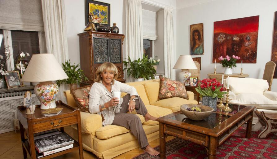 VAKKERT HJEM: Her er LIll-Babs fotografert i sitt kjære hjem da Her og Nå besøkte henne i 2010.