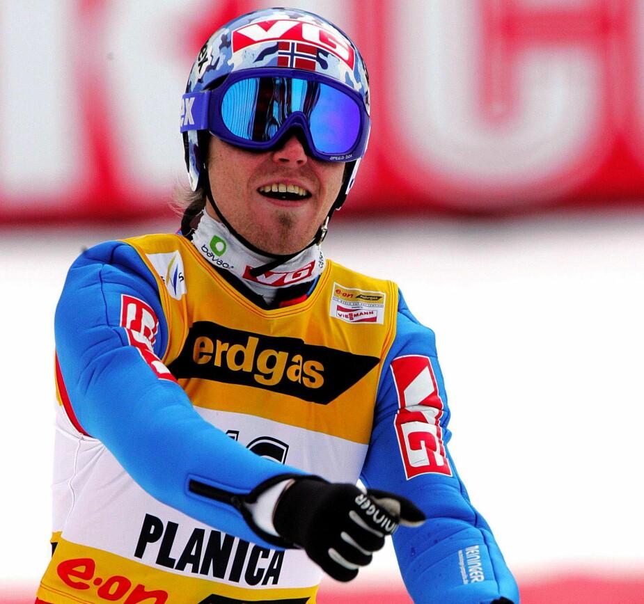 <b>VERDENSREKORD:</b> I mars 2005 satte Bjørn Einar verdensrekord i skiflyvning i Planica i Slovenia med 239 meter.