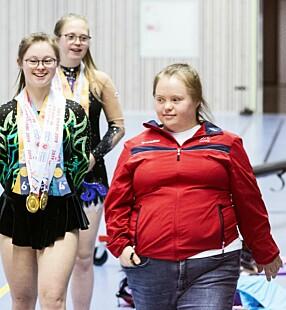 Katelyn Garbin (26) har vunnet 41 gull, fem sølv og fire bronsemedaljer som gymnast. Hun bor i egen leilighet på Emma Hjorth i Bærum, er forlovet og jobber på Aurora verksted ved siden av jobbe som hovedtrener i Stabekk turnforening.