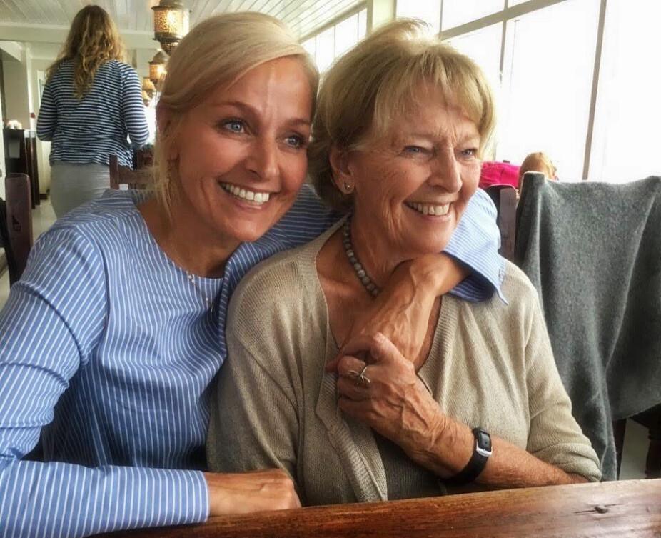<b>NÆRT FORHOLD:</b> Vår hadde et nært forhold til moren Åse, og forteller at hun nå må lære seg til å leve med at hun er borte.