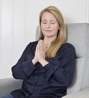 <b>INDRE RO:</b> Her mediterer Vibecke på kontoret hun har bygd i hagen like utenfor hjemmet i Moss. – Inne på gården var flere av de andre med på å meditere på morgenen, forteller hun.