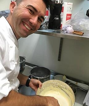 Tine-konditor Bernhard Azinger deler sine beste pepperkake-tips.