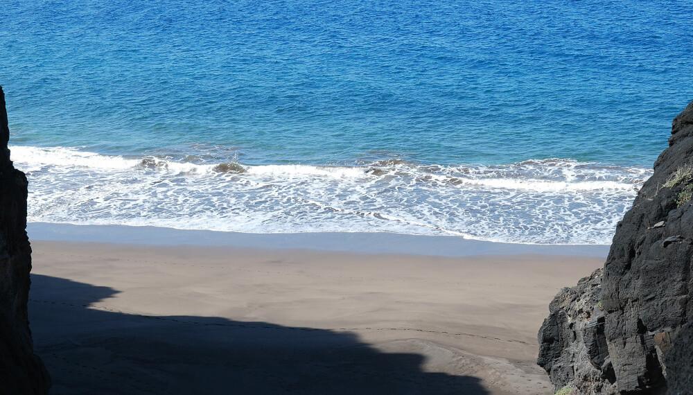 BORTGJEMT: Det krever litt innsats for å komme seg til Güi Güi-stranden, men vandringen er verdt det, mener den lokaltkjente forfattere.