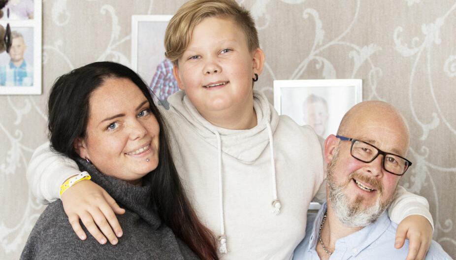 Godt samarbeid: Sander skulle ikke lide etter samlivsbruddet, og foreldrene, Linn og Kent, har gjort alt som står i deres makt for at hverdagen hans skal bli best mulig. Blant annet bor de i samme hus og feirer jul sammen.