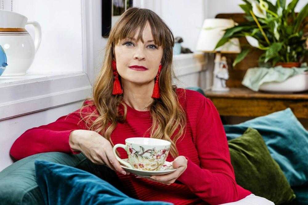 <b>TID FOR REFLEKSJON:</b> Lisa Stokke er ordentlig glad i julen. Hun mener at den samtidig gir rom for ettertanke.