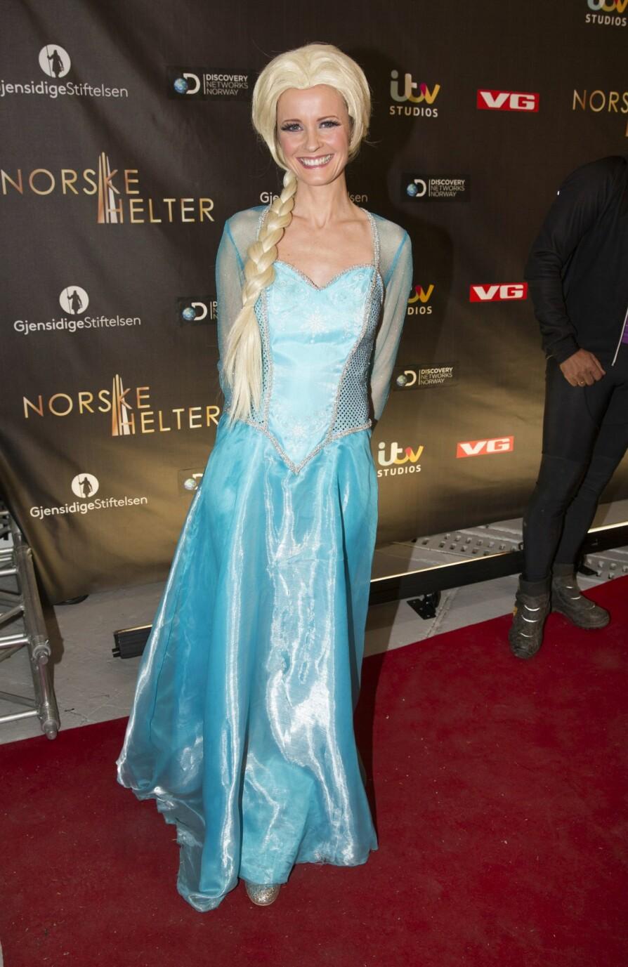<b> EVENTYRLIG:</b> Første juledag er hun igjen tilbake i drømmerollen som den norske stemmen til Elsa i «Frost 2». Her er hun utkledd som Disney-prinsessen.