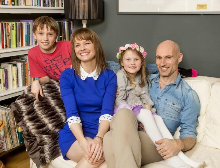 <b>FINT FIRKLØVER:</b> Her er Lisa og familien samlet hjemme i London i 2015.