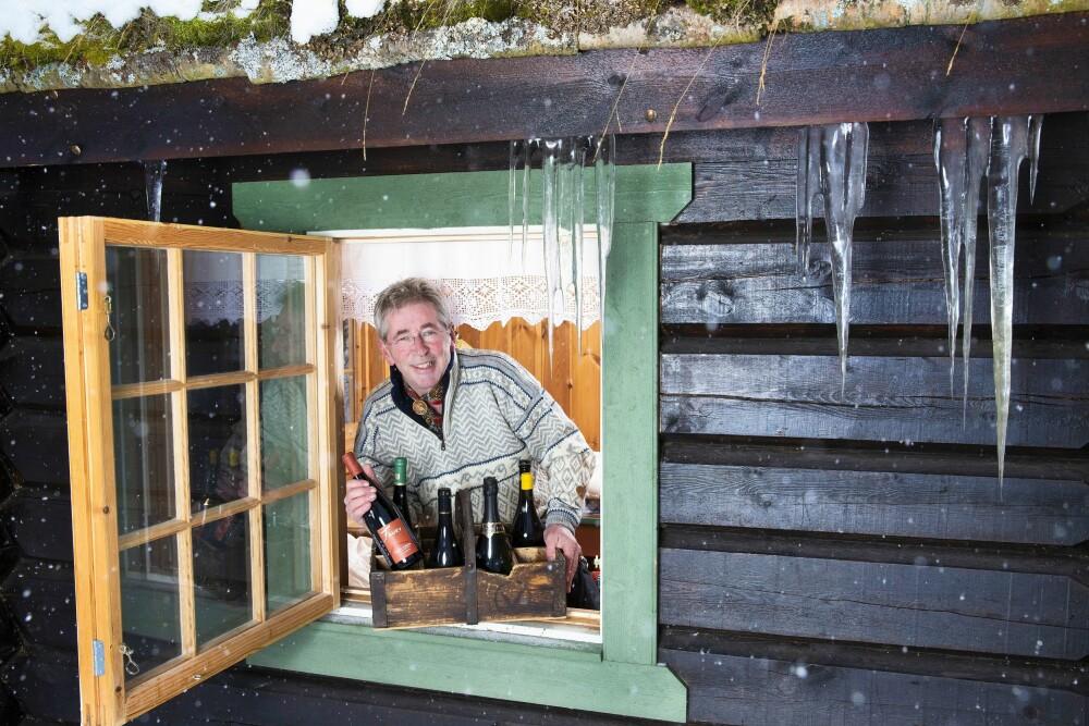 <b>PRIKKEN OVER I-EN:</b> På Vianvang ved foten av Jotunheimen har Arne Brimi en omfangsrik vinkjeller. Her gir han Her og Nås lesere sine beste vinanbefalinger til julematen.