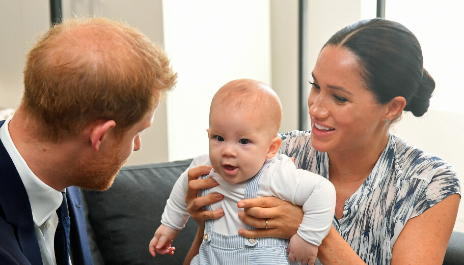 Harry og Meghan ønsker å skjerme Archie for pressens oppmerksomhet