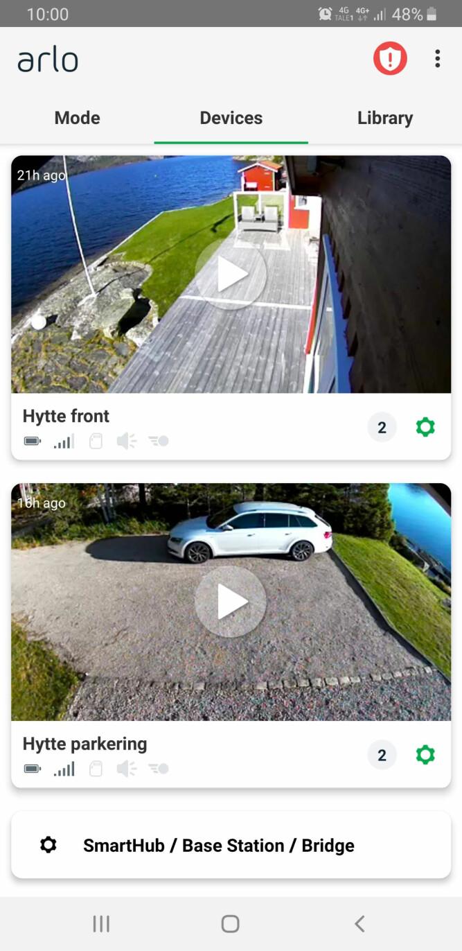 FULL KONTROLL: Med en app på telefonen har hytteeieren full oversikt over hva som skjer på hytta.
